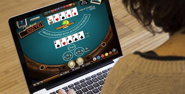 Benefits of Online Poker